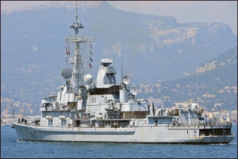 [Autre sujet Marine Nationale] Démantèlement, déconstruction des navires - TOME 2 - Page 26 Jb310