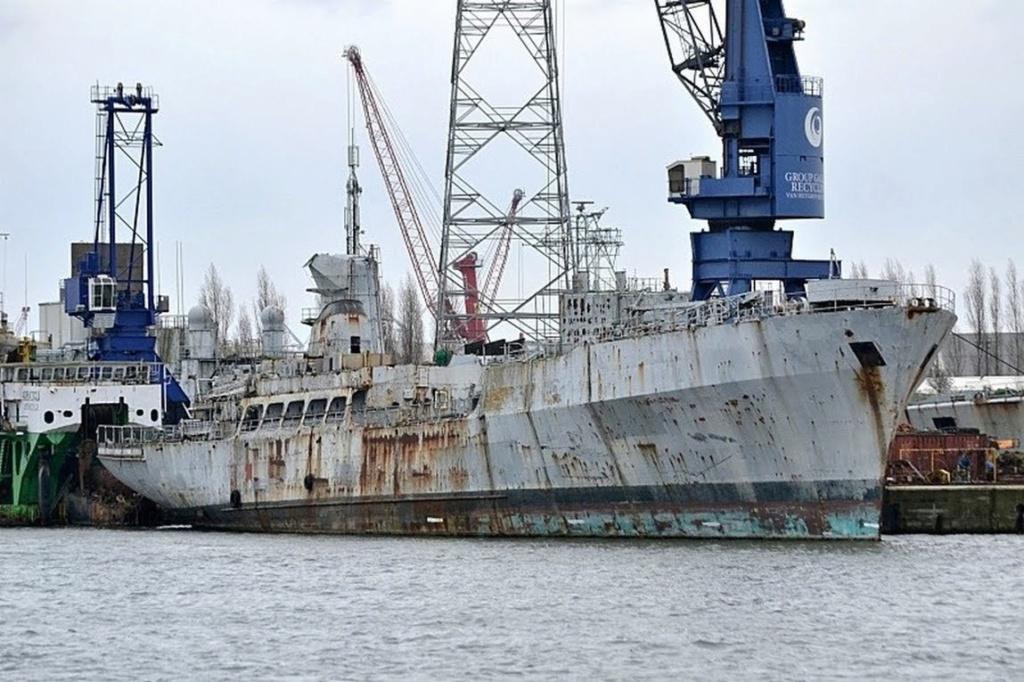 [Autre sujet Marine Nationale] Démantèlement, déconstruction des navires - TOME 2 - Page 10 Q853_e11