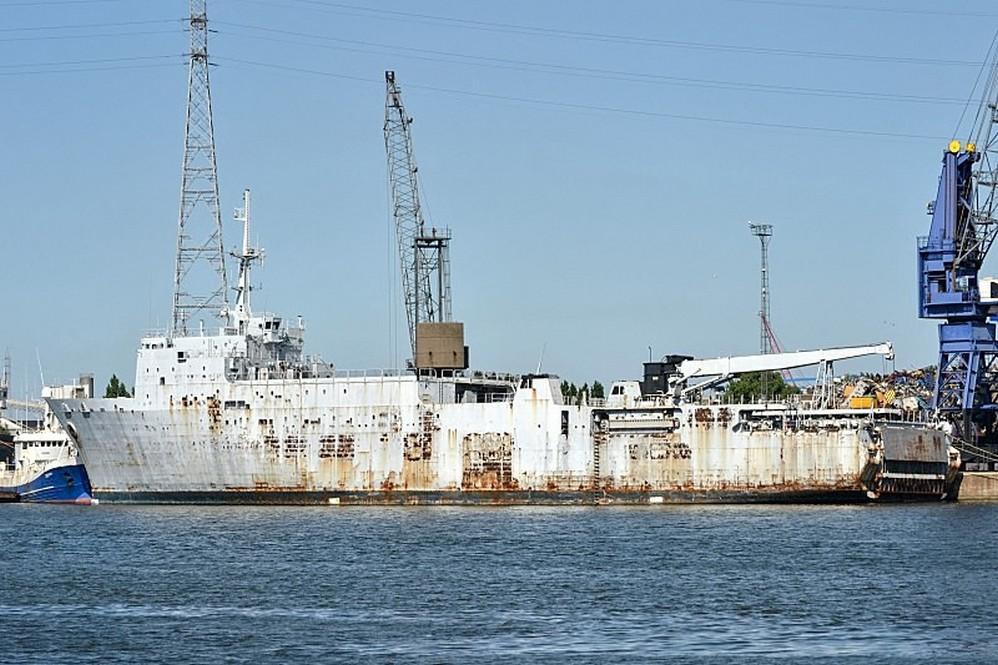 [Autre sujet Marine Nationale] Démantèlement, déconstruction des navires - TOME 2 - Page 37 Q_ex-l10