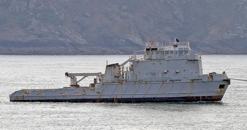 [Autre sujet Marine Nationale] Démantèlement, déconstruction des navires - TOME 2 - Page 19 Revi_210