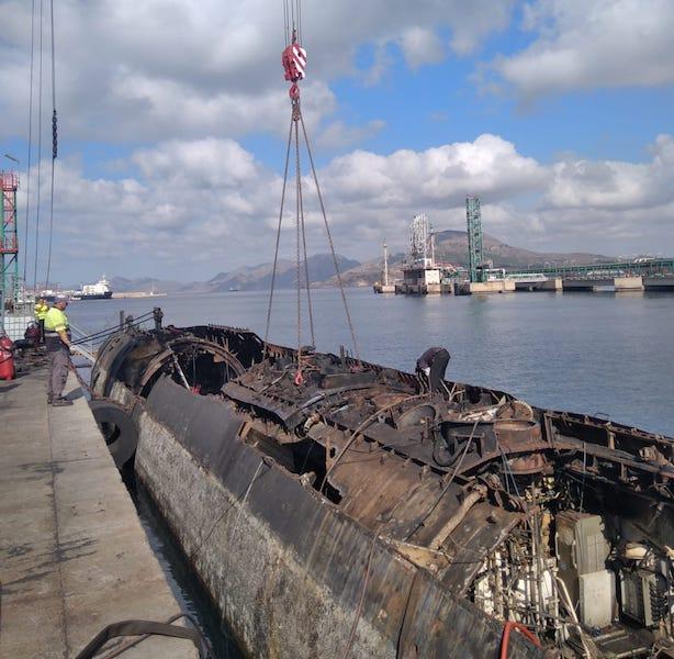 [Autre sujet Marine Nationale] Démantèlement, déconstruction des navires - TOME 2 - Page 23 Whatsa10