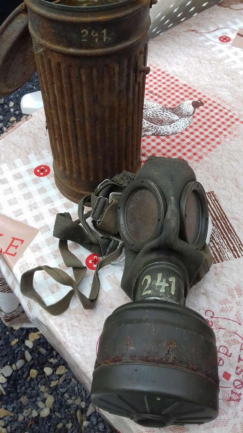 casques allemands et masque a gaz 20170753