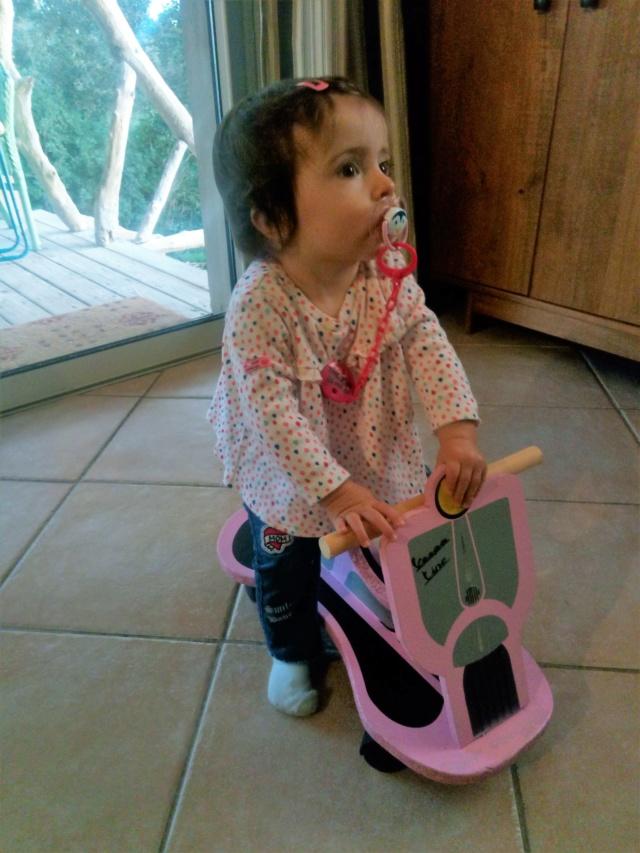 Une Mini-Moke en bois pour ma petite fille ! - Page 5 Img_2044