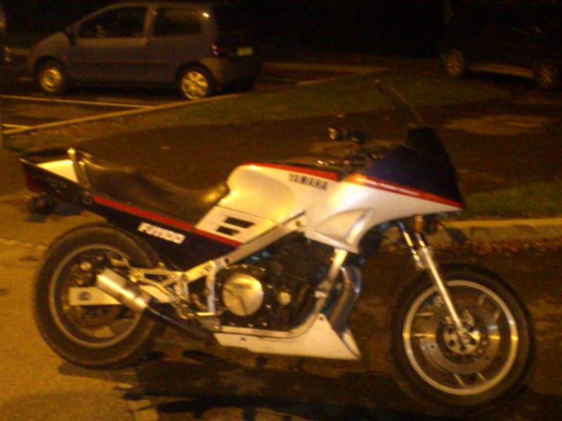 Yamaha 12/13 xjr : un must en roadster abordable... Ntv_ca12