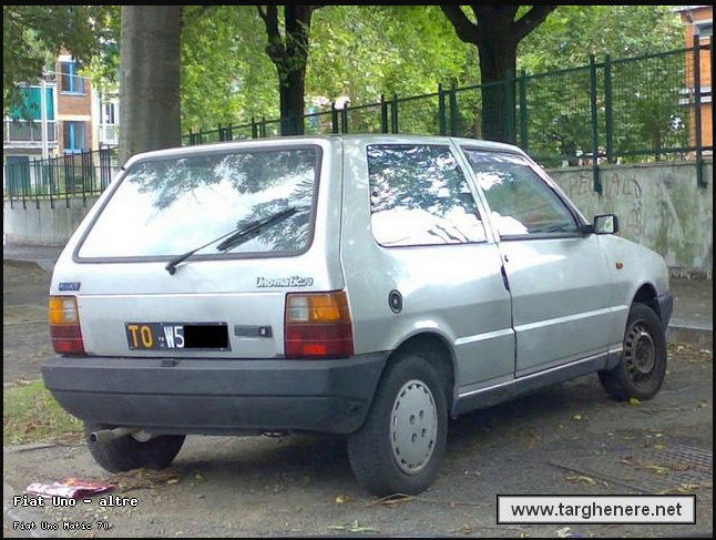 La Fiat Uno Mnhgfe10