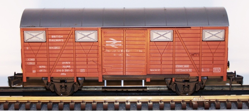 Les différentes décorations du wagon couvert Lima. Lima_c15