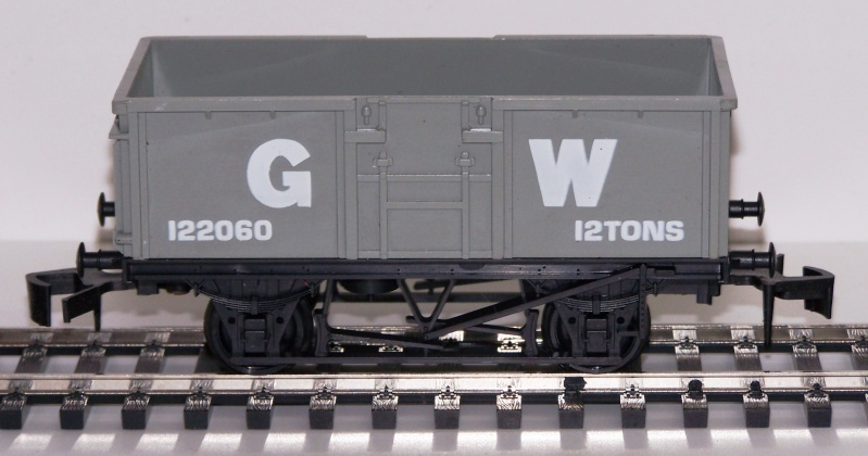 """Les différentes décorations du wagon tombereau """"Mineral"""" anglais de Lima Lima_g11"""