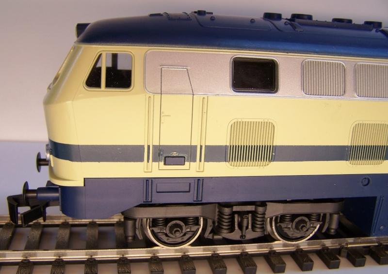 La locomotive diesel V160 Baureihe 216 et 218 de la DB de Lima au 1:45. Lima_o36