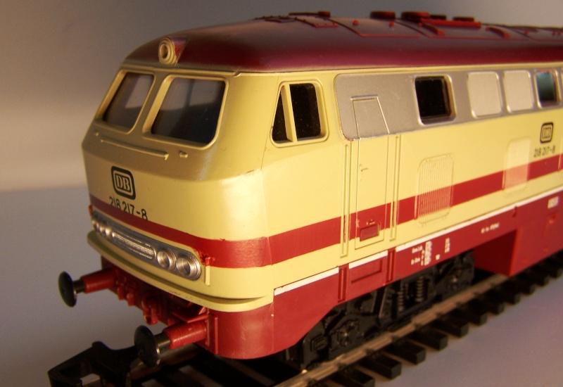 La locomotive diesel V160 Baureihe 216 et 218 de la DB de Lima au 1:45. Lima_o45