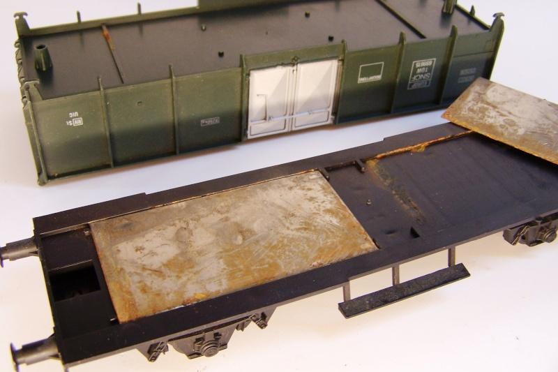 Constitution du wagon tomberau type europeen de Lima au 1/45. Lima_t15