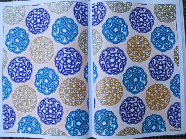 je vous montre enfin (coloriages) - Page 9 Img_0412