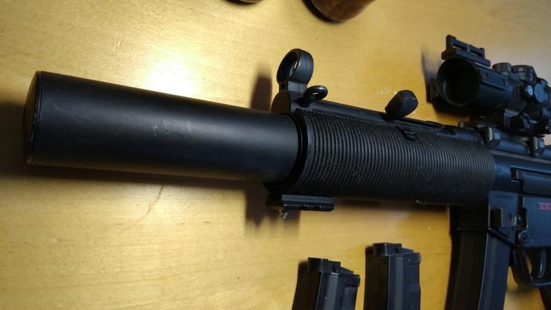 SMG Classic Army B&T MP5 SD6 + 3 chargeur hi-cap 200 billes + strike systems 4x32 + Gun Sling tactique + Billes + Batterie 8.4v Img_2015