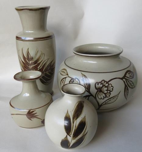 mapua - Richmond Stoneware, Mapua Ware, Waimea Potteries etc - do we need a gallery? Richmo17