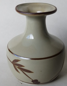 Richmond Stoneware, Mapua Ware, Waimea Potteries etc - do we need a gallery? Richmo26