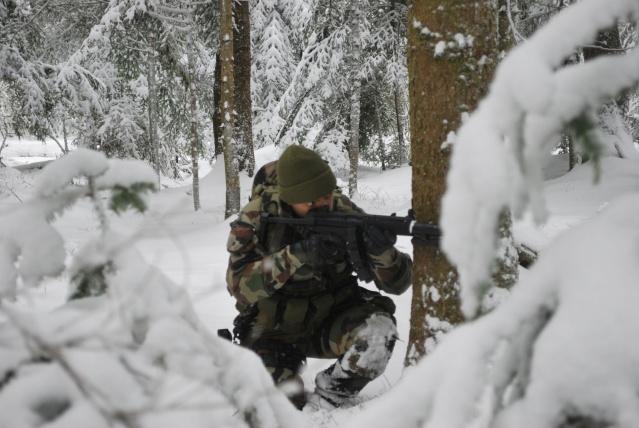 12/2012, dans la neige, forêt + urbain Dsc_0116