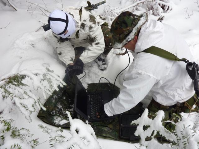 12/2012, dans la neige, forêt + urbain P1020412