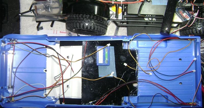 Les Toyota Hilux 2 & 4 portes RC4WD Trail Finder 2 RTR de Trankilou &Trankilette - Page 2 Dsc04719