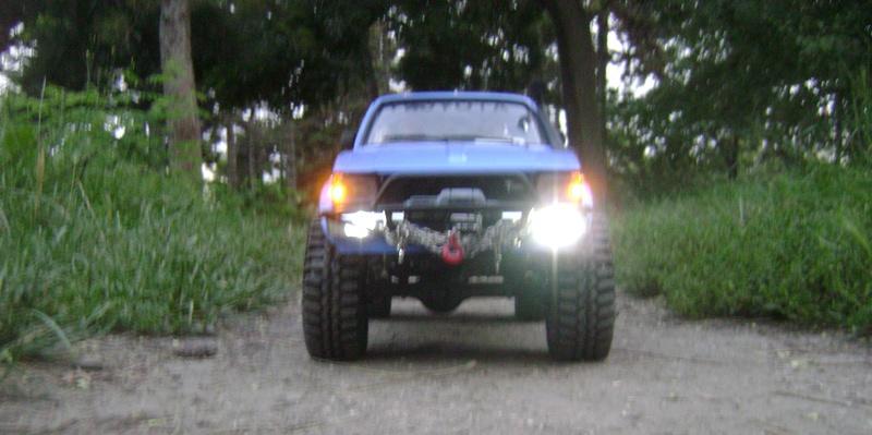 Les Toyota Hilux 2 & 4 portes RC4WD Trail Finder 2 RTR de Trankilou &Trankilette - Page 2 Dsc04729