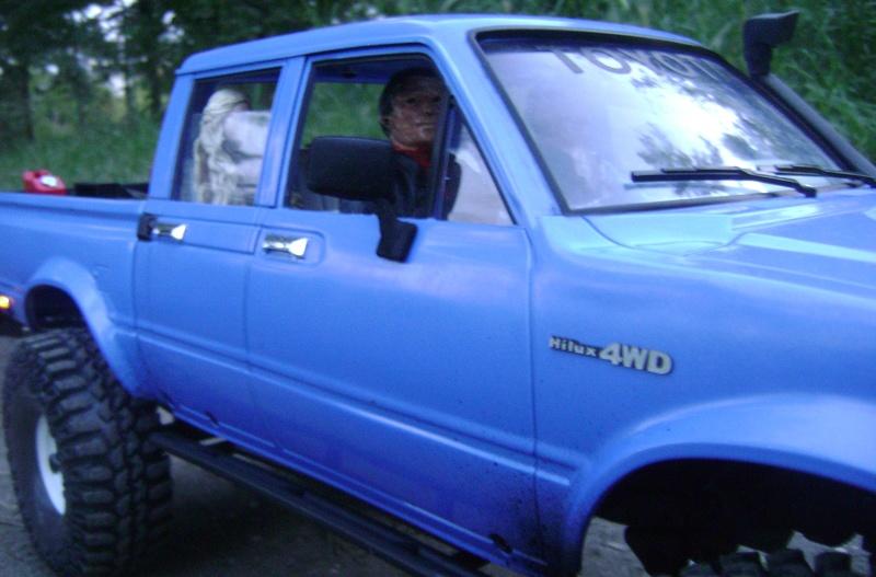 Les Toyota Hilux 2 & 4 portes RC4WD Trail Finder 2 RTR de Trankilou &Trankilette - Page 2 Dsc04734