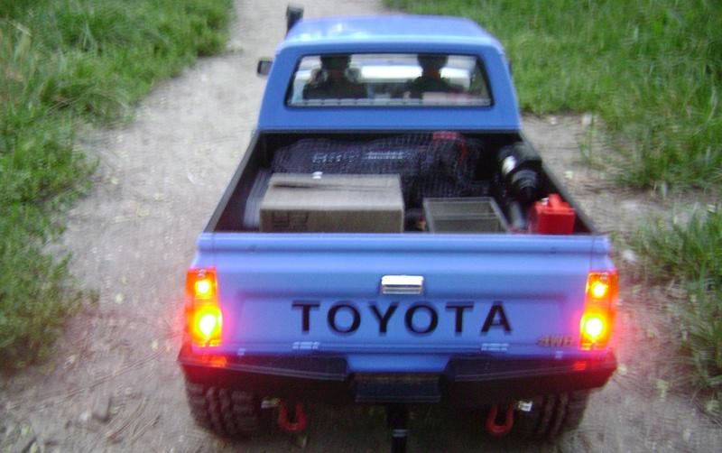 Les Toyota Hilux 2 & 4 portes RC4WD Trail Finder 2 RTR de Trankilou &Trankilette - Page 2 Dsc04735