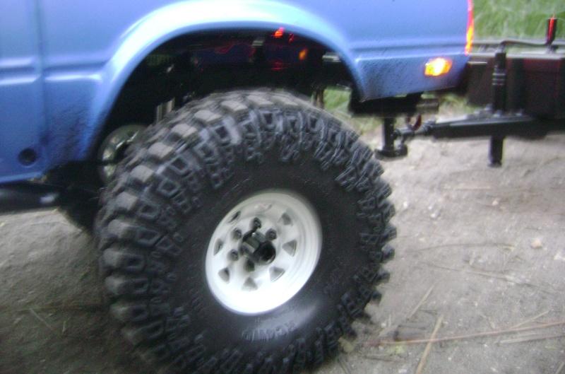 Les Toyota Hilux 2 & 4 portes RC4WD Trail Finder 2 RTR de Trankilou &Trankilette - Page 2 Dsc04741