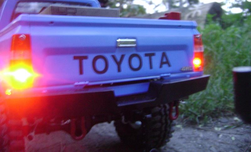 Les Toyota Hilux 2 & 4 portes RC4WD Trail Finder 2 RTR de Trankilou &Trankilette - Page 2 Dsc04742