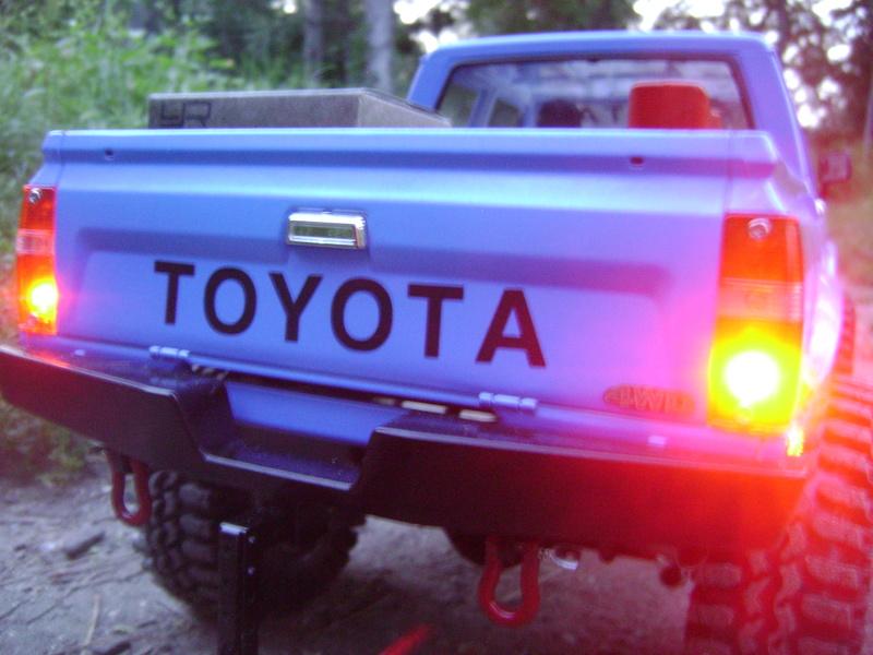 Les Toyota Hilux 2 & 4 portes RC4WD Trail Finder 2 RTR de Trankilou &Trankilette - Page 2 Dsc04743