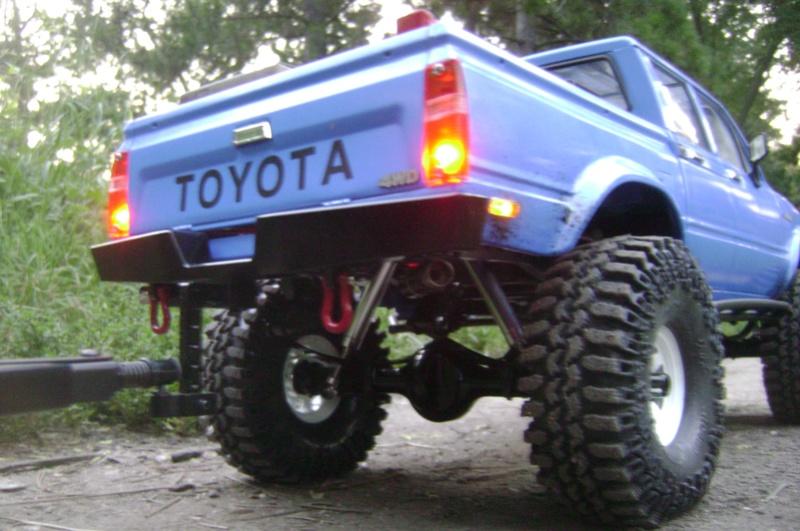 Les Toyota Hilux 2 & 4 portes RC4WD Trail Finder 2 RTR de Trankilou &Trankilette - Page 2 Dsc04744