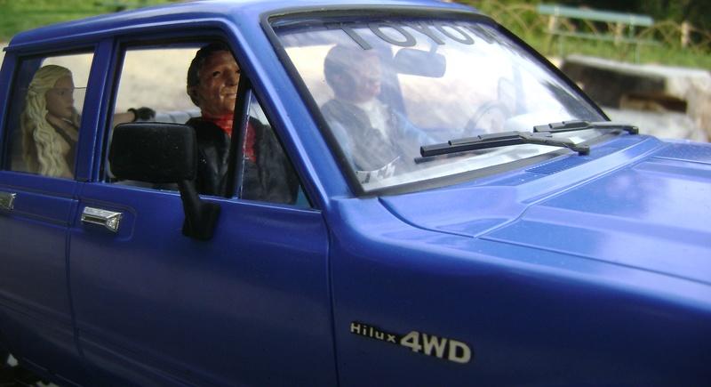 Les Toyota Hilux 2 & 4 portes RC4WD Trail Finder 2 RTR de Trankilou &Trankilette - Page 2 Dsc04748