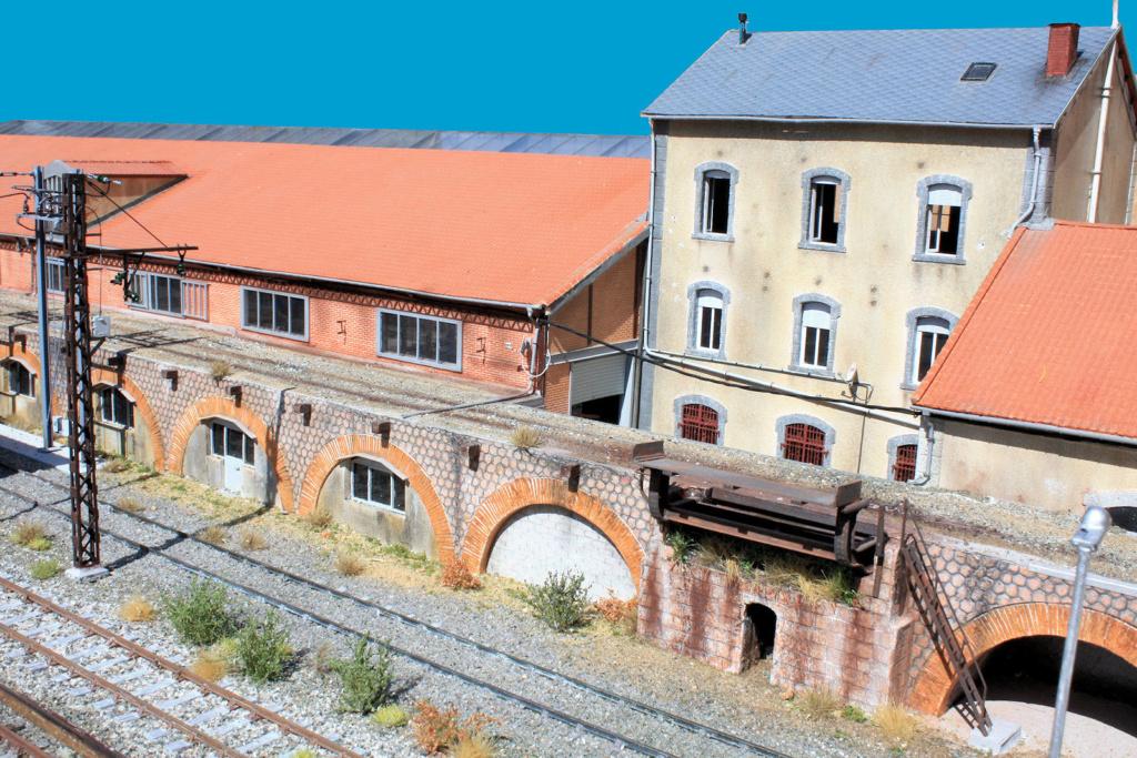 Tren Groc à VVb - Page 15 Fazade10