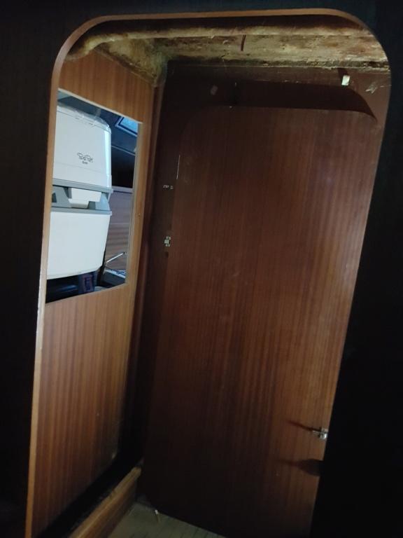 Cabine d'eau / Toilettes 20181014