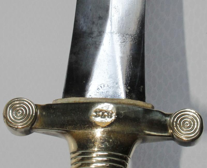 un poinçon et un marquage de glaive à identifier _mg_4711