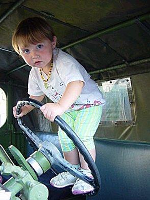 Ma fille au volant du KT Sans-t10