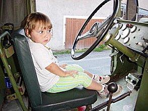 Ma fille au volant du KT Sans-t12