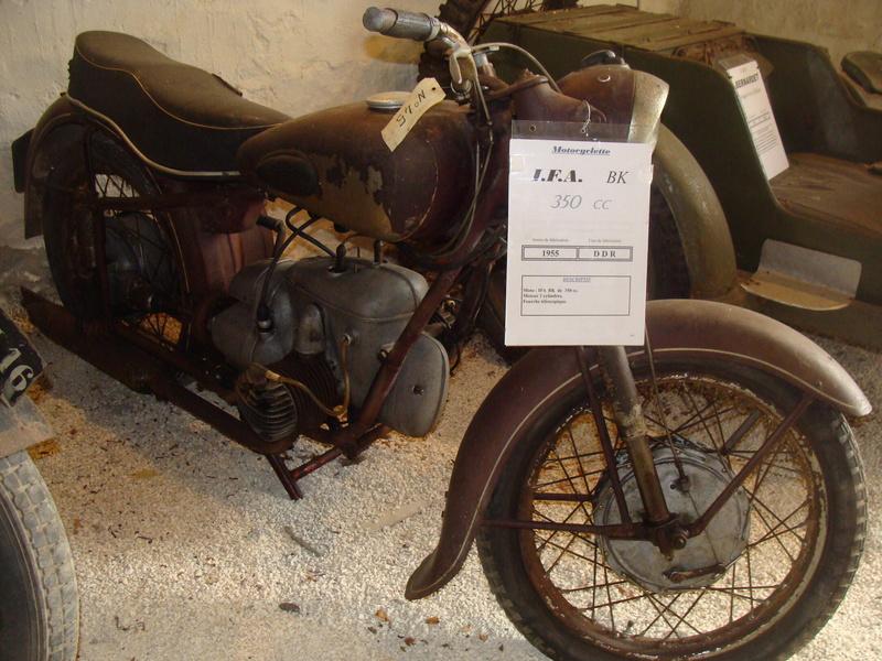 Musées de la moto etc. - Page 3 Dsc03911