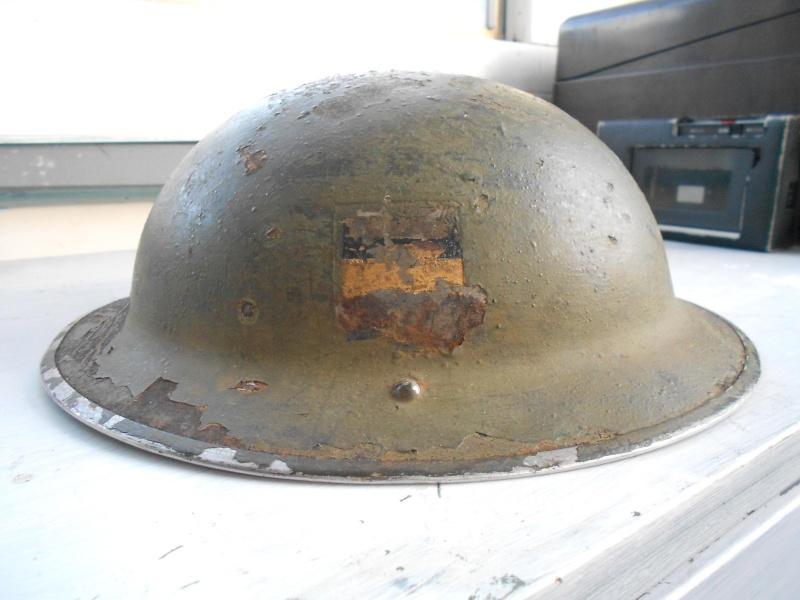 WW II Canadian Helmets - Page 2 01012