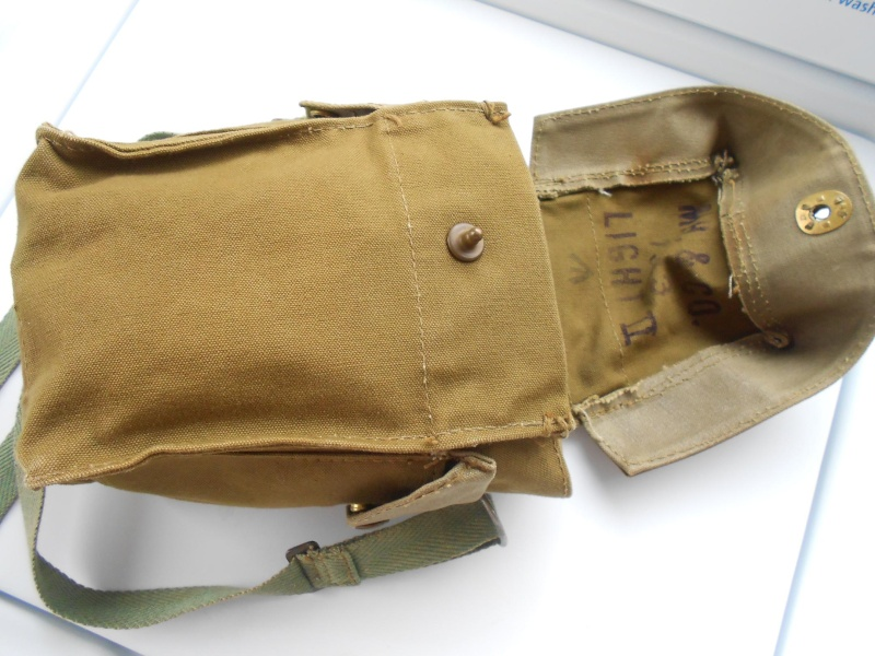 Light Gas Mask Pouch Question 01013