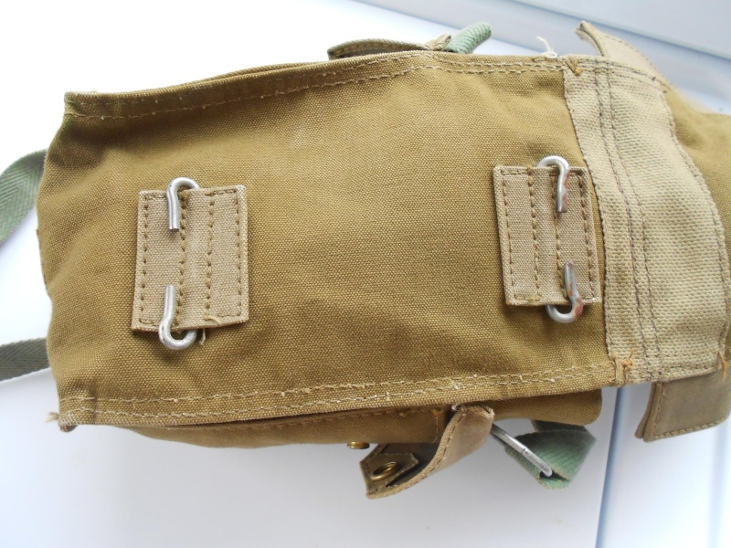 Light Gas Mask Pouch Question 01310