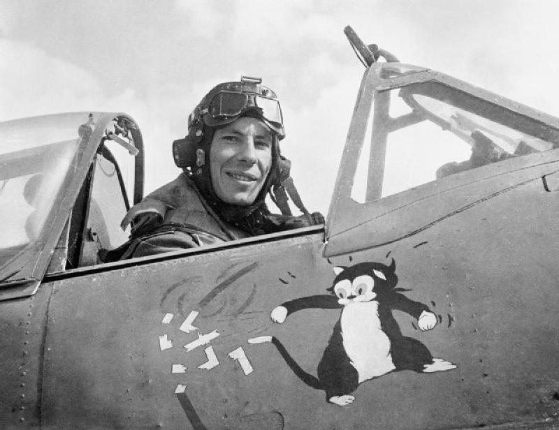 Petites questions Hawker Hurricane Wing_c10