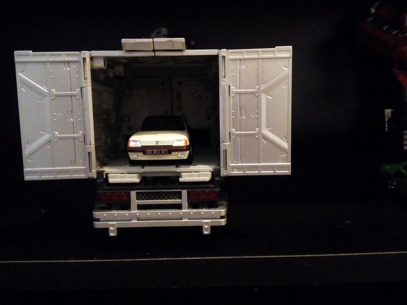Collection de XB2000 (MP/Films véhicules à l'échelle) Img_2029