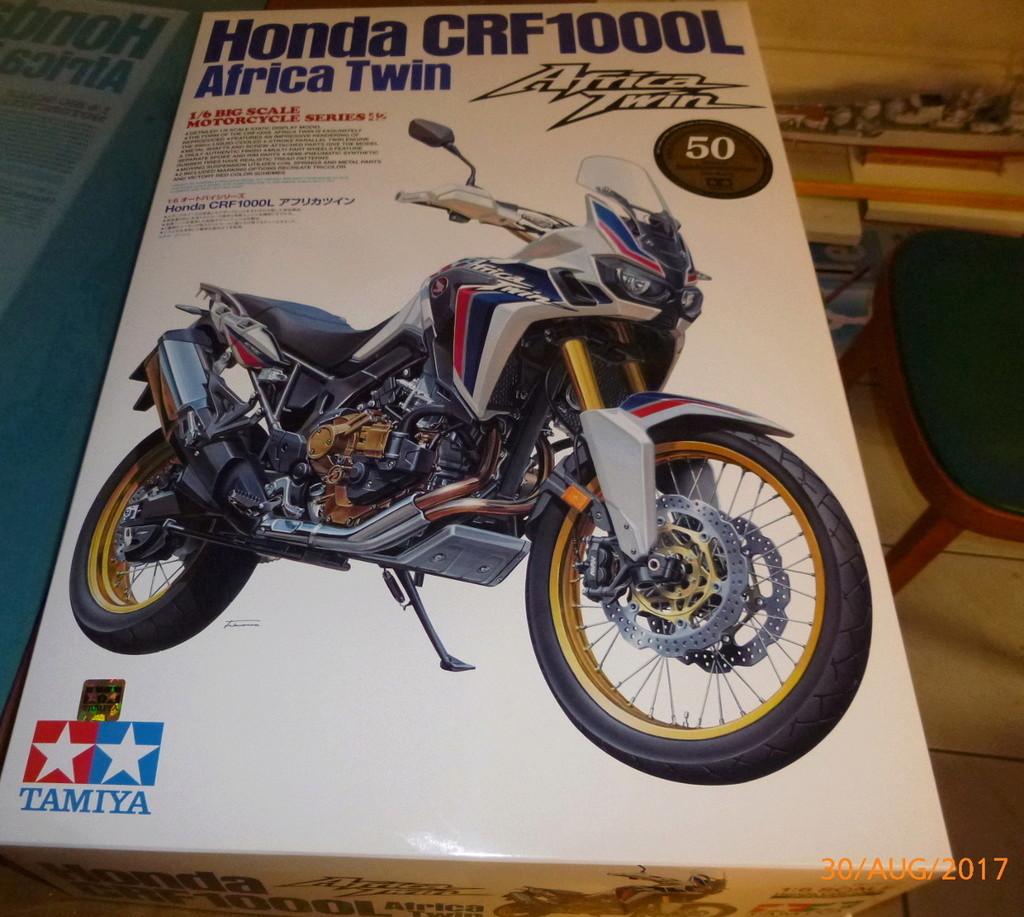 Honda CRF1000L Africa Twin Tamiya 1:6 geb. von Millpet P1070331