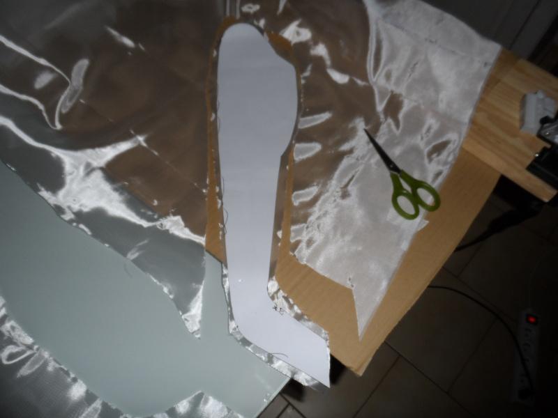 Projet de fuselage en fibre - Page 2 Dacoup10