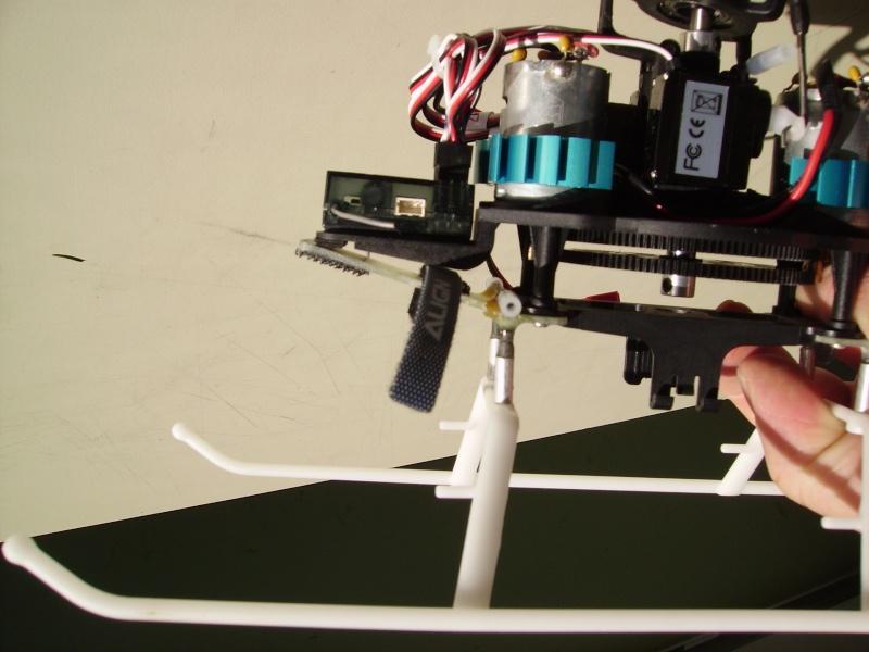modification support de train/porte batterie en fibre Pict4212