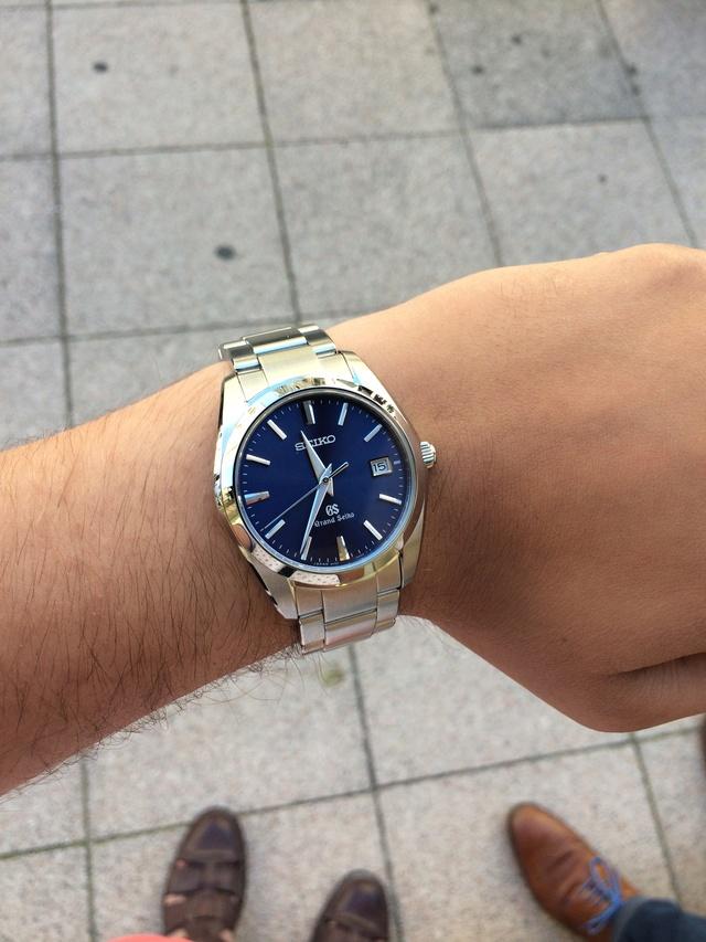 Ressentez vous une émotion lorsque vous portez une montre à quartz ?  34810
