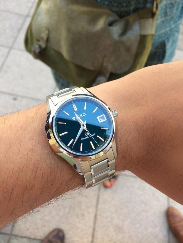 Ressentez vous une émotion lorsque vous portez une montre à quartz ?  35010
