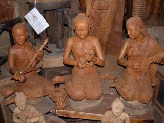 Woodcarving...quelques sculptures autour de la musique. Puyin10