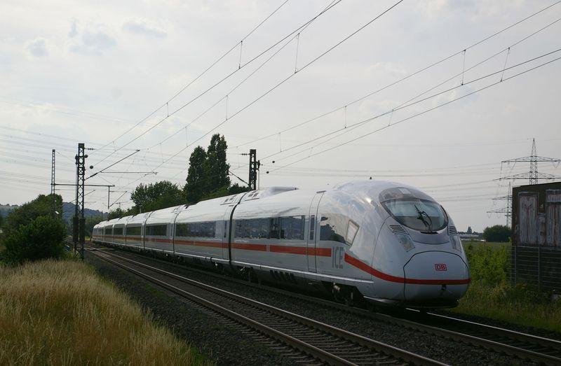 Was die Züge so bewegt ... - Seite 7 407_0110