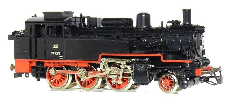 BR 74.4 - 13 (pr. T12) mit zusätzlichem Wasserwagen. 74_10710