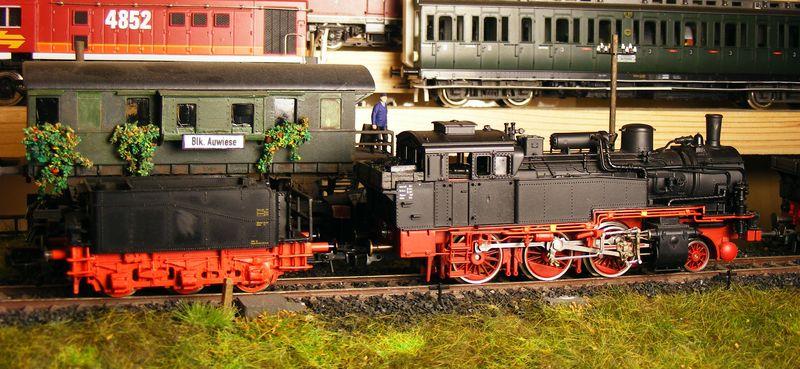 BR 74.4 - 13 (pr. T12) mit zusätzlichem Wasserwagen. Dscf7519