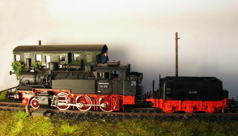 BR 74.4 - 13 (pr. T12) mit zusätzlichem Wasserwagen. Dscf7526